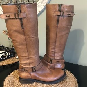 Steve Madden Leather riding boots. Size 7